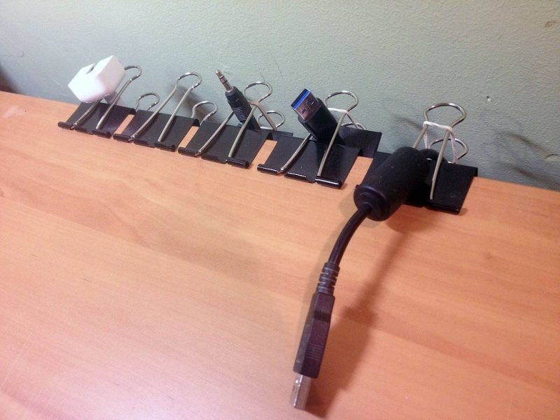 Use-Clips-Organize-Your-Wires