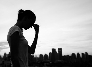 5 Habits That Are Destroying Your Confidence