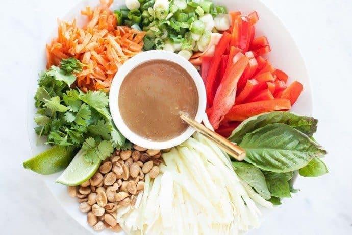 pad-thai-salad-loveleafco.com_