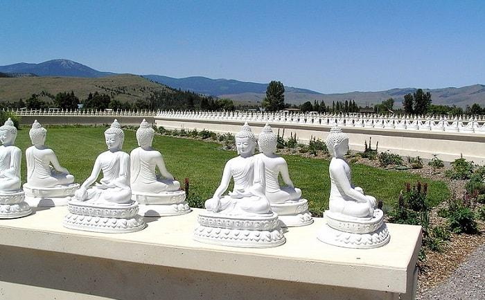 road trip destinations garden thousand buddhas montana