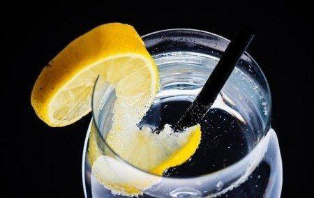 benefits of lemon water refreshing