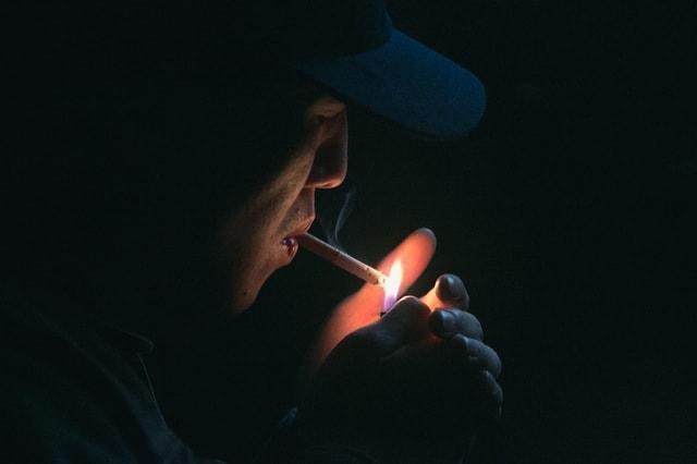 quit smoking lighting smoke