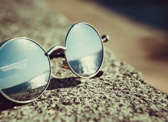 How-buying-glasses-online-is-simplifying-buying-glasses