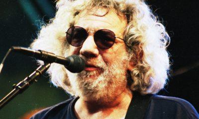 Jerry Garcia Singing