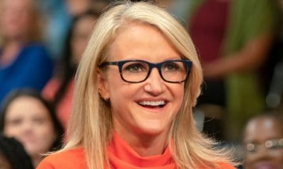 A picture of Mel Robbins