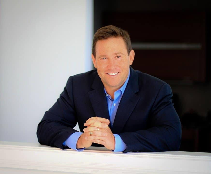 50 Jon Gordon Quotes to Motivate You to Be a Better Leader