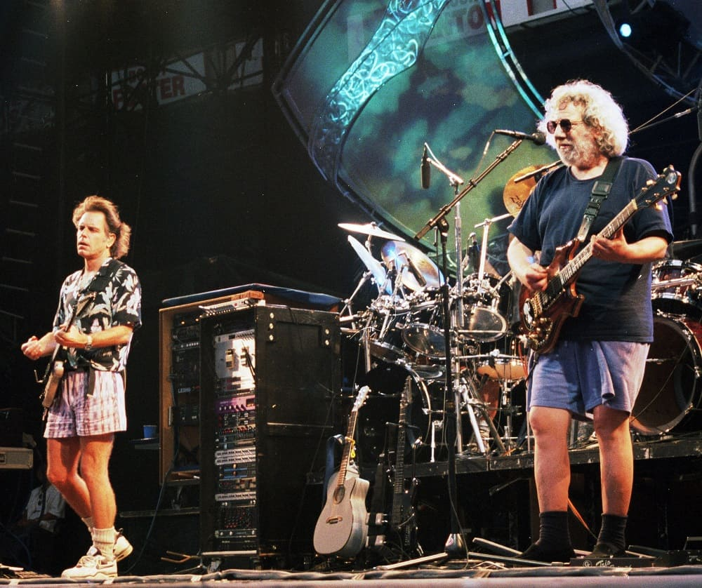 50 Inspiring Grateful Dead Quotes About Music, Love, and Death